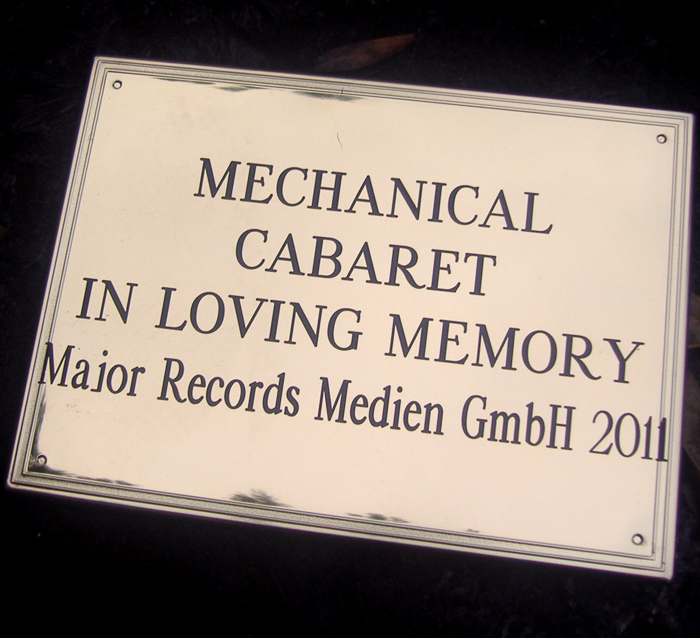 Mechanical Cabaret Roi In Loving Memory